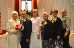 Aunt Pat, Uncle David, Aunt Billie, my mom, me and Bob